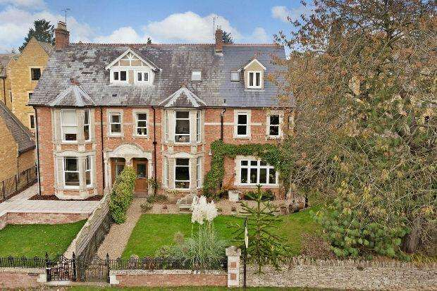 8 Bedrooms Semi Detached House for sale in Evesham Road, Stow on the Wold, Cheltenham