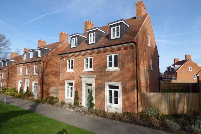 5 Bedrooms Detached House for sale in Sir Geoffrey Todd Walk, Kings Drive, Midhurst, GU29