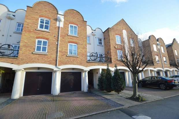 4 Bedrooms Town House for sale in Herons Place, St Margarets, Old Isleworth