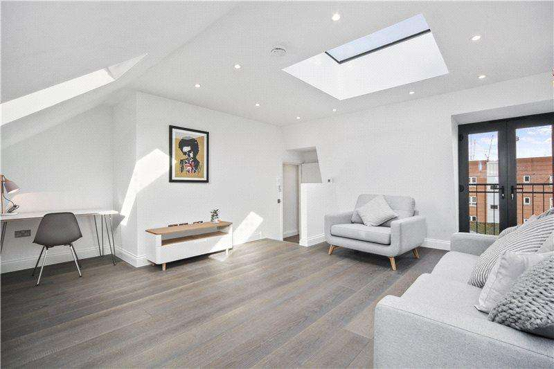 2 Bedrooms Flat for sale in Collingbourne Road, London, W12