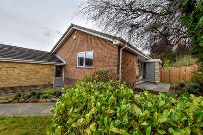 4 Bedrooms Bungalow for sale in Collingwood Crescent, Ponteland, Newcastle upon Tyne, Northumberland, NE20