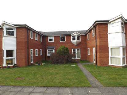 1 Bedroom Flat for sale in Wycliffe Court, Yarm