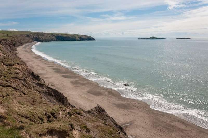 3 Bedrooms Detached House for sale in Aberdaron, Pwllheli, North Wales