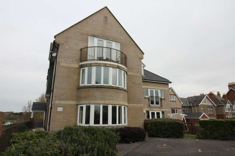 2 Bedrooms Apartment Flat for sale in Melcombe Avenue, Weymouth, Dorset, DT4 7TF
