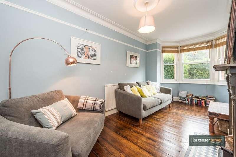 2 Bedrooms Flat for sale in Stanlake Road, Shepherds Bush, London, W12 7HW