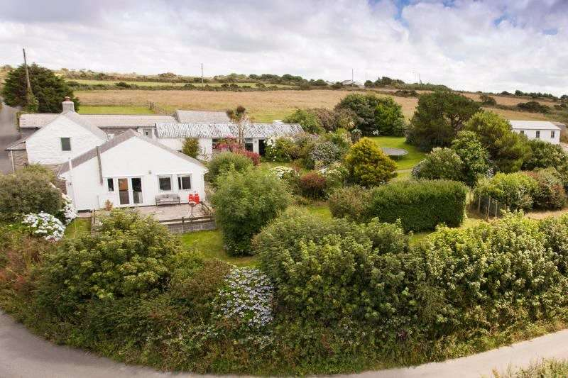 3 Bedrooms Equestrian Facility Character Property for sale in Black Rock, Nr Camborne