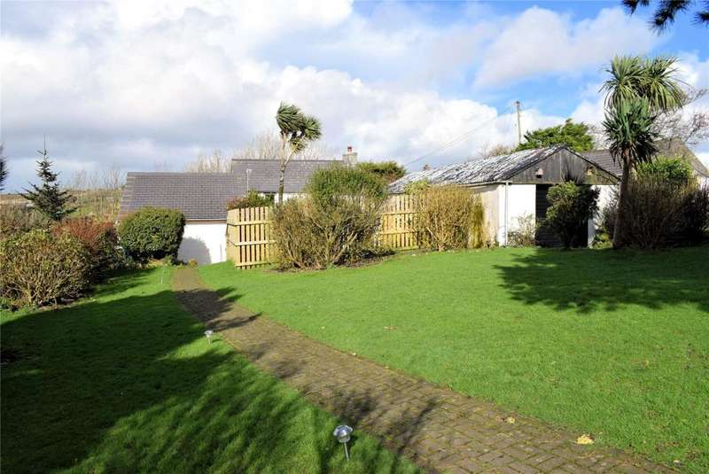 3 Bedrooms Detached House for sale in Black Rock, Nr Camborne
