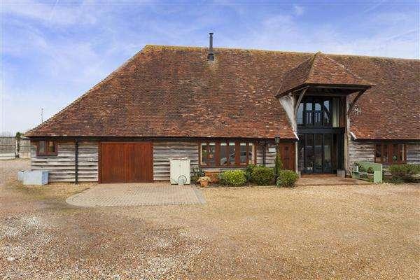 4 Bedrooms Barn Conversion Character Property for sale in Ravenscourt Barn West, Davington Hill, Faversham