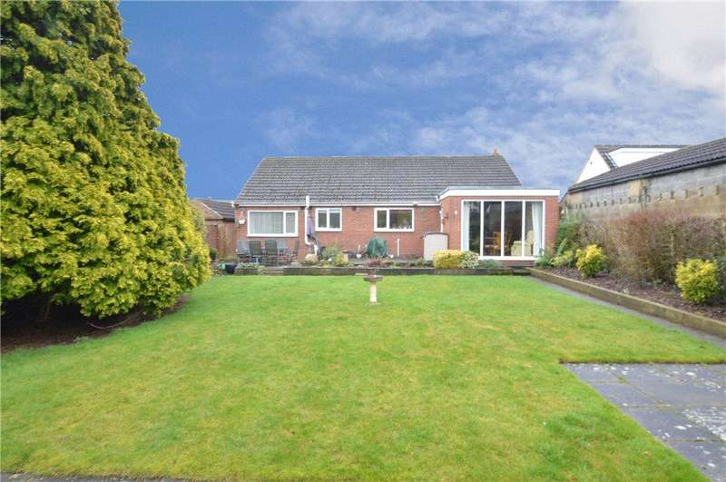 2 Bedrooms Detached Bungalow for sale in Milton Drive, Scholes, Leeds, West Yorkshire