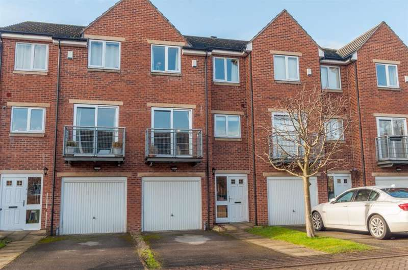 3 Bedrooms Terraced House for sale in Woodeson Court, Rodley, Leeds, LS13