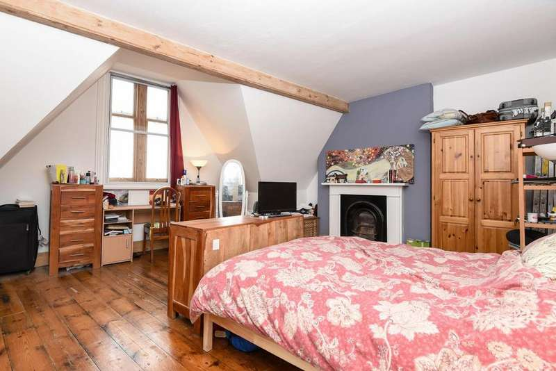 3 Bedrooms Maisonette Flat for sale in Brixton Road, Brixton, SW9