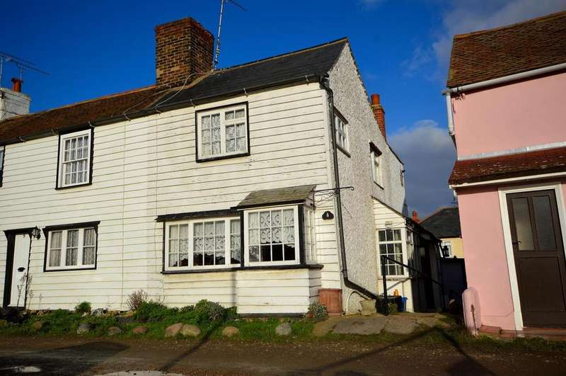 2 Bedrooms Cottage House for sale in Lock Hill, Heybridge Basin, Maldon, Essex, CM9