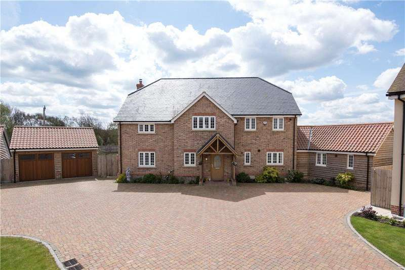 5 Bedrooms Detached House for sale in Chalkley Bush Close, Shillington, Bedfordshire