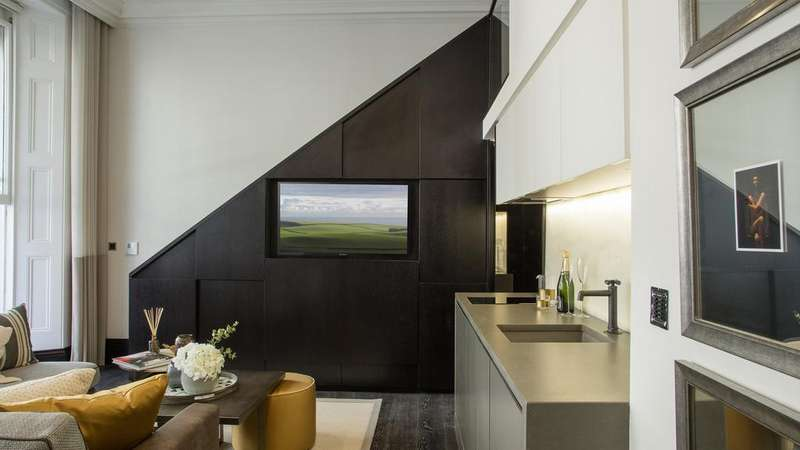 Studio Flat for sale in Beaufort Gardens, London. SW3