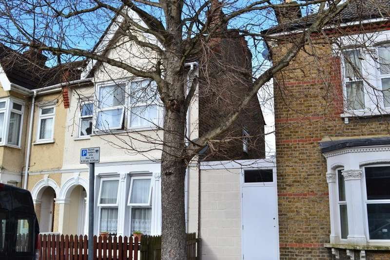 3 Bedrooms Semi Detached House for sale in Devonshire Road, Colliers Wood, L.B. of Merton, Greater London, SW19 2EJ