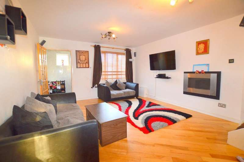 2 Bedrooms Semi Detached House for sale in Enderby Road, Luton, LU3 2HQ