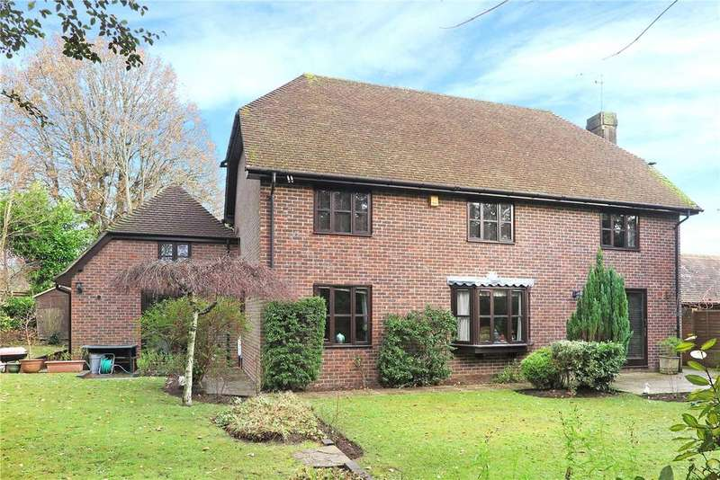 5 Bedrooms Detached House for sale in Curtis Close, Headley, Hampshire, GU35