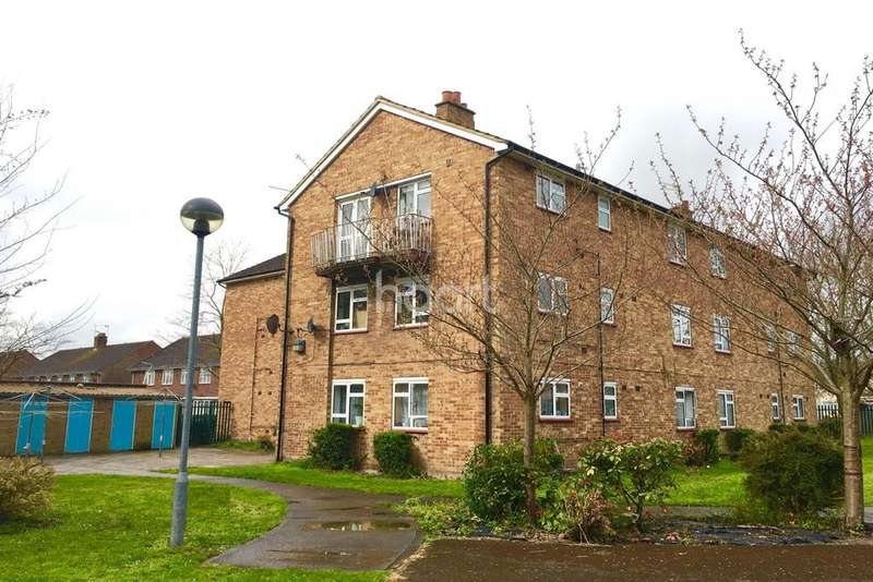 2 Bedrooms Flat for sale in Corwell Gardens