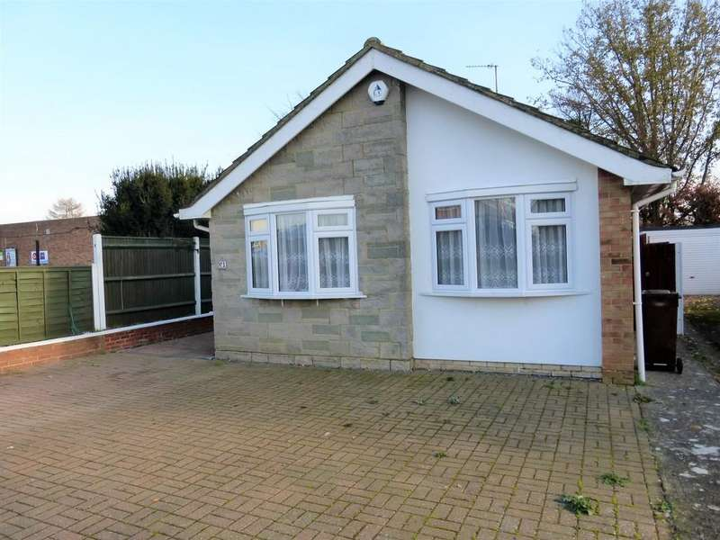 2 Bedrooms Detached Bungalow for sale in Merton Road, Bearsted