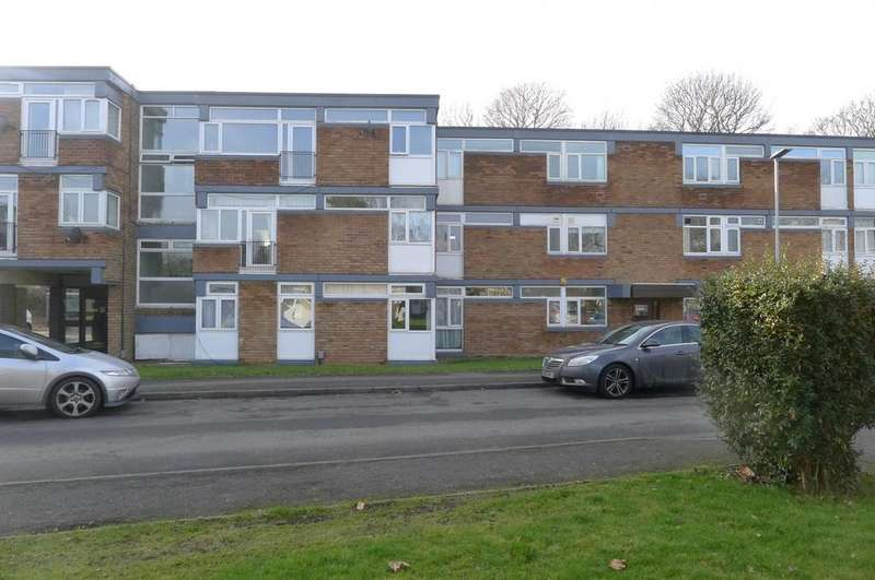 2 Bedrooms Flat for sale in The Lindens, Newbridge Crescent WV6