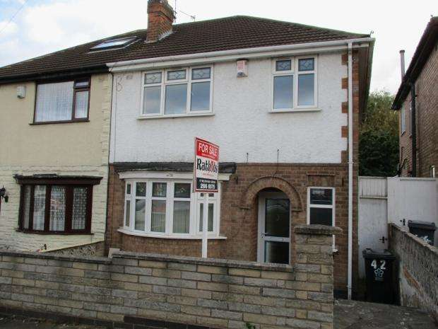 3 Bedrooms Semi Detached House for sale in Babingley Drive Leicester