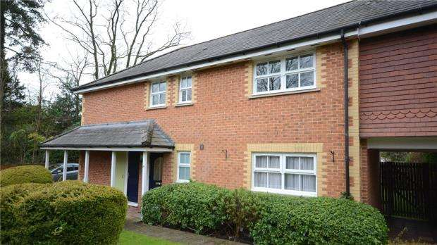 2 Bedrooms Apartment Flat for sale in Poppy Place, Wokingham, Berkshire