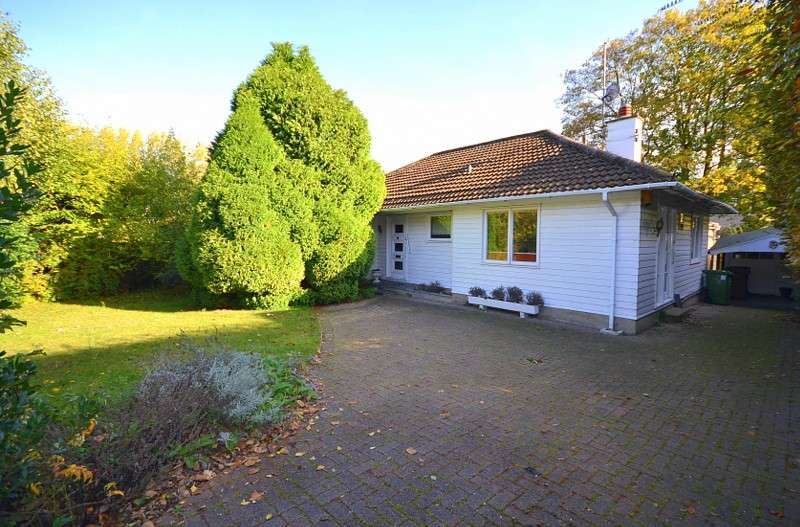 2 Bedrooms Detached Bungalow for sale in Shepperton