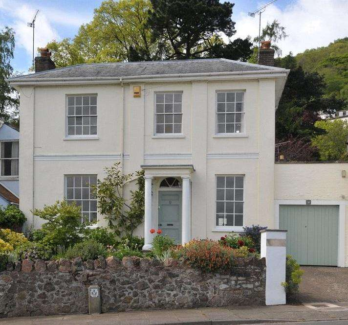 4 Bedrooms Detached House for sale in Hanley Road, Malvern, Worcestershire, WR14