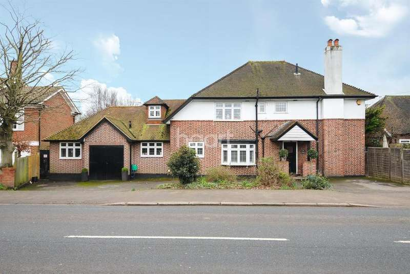 5 Bedrooms Detached House for sale in Shepperton Road, Laleham