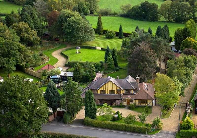 5 Bedrooms Detached House for sale in Brookledge Lane, Adlington