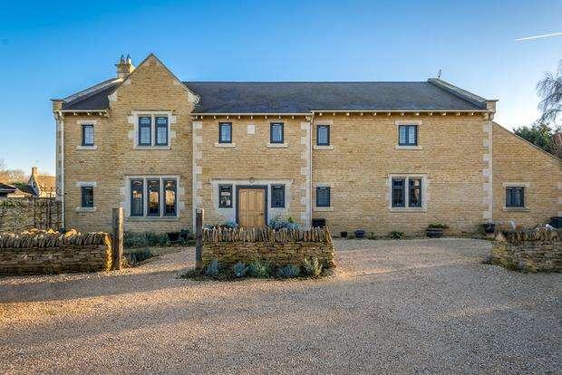 4 Bedrooms Detached House for sale in School Lane, Weldon, Corby, NN17