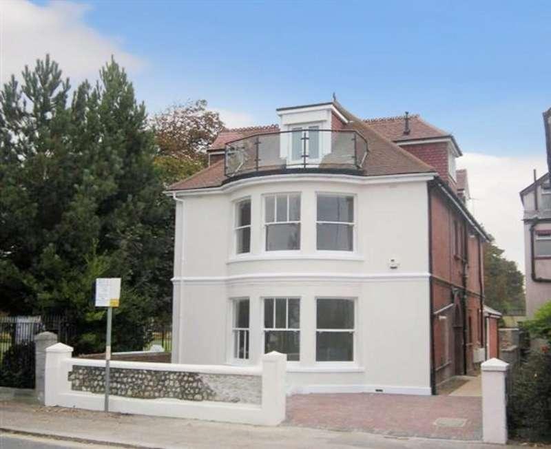 2 Bedrooms Flat for sale in Parkside, Brighton Road, Worthing BN12 2EL