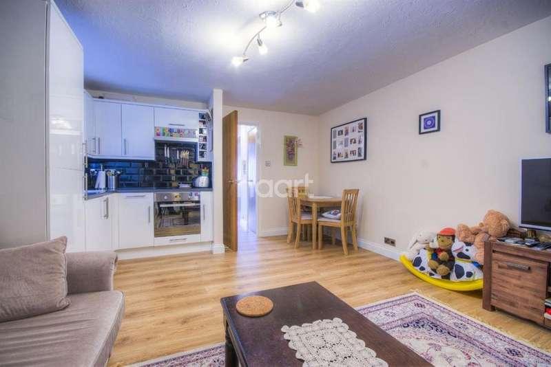 1 Bedroom Flat for sale in Harp Island Close, Neasden/Wembley