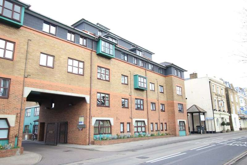 2 Bedrooms Flat for sale in West Street, Gravesend, DA11