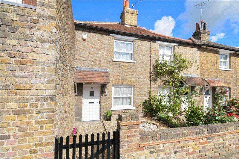 2 Bedrooms Terraced House for sale in Northwood Road, Harefield, Uxbridge, Middlesex, UB9