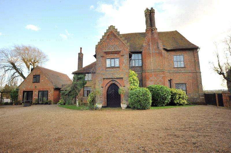 5 Bedrooms Detached House for sale in Little Warley Hall Lane, Little Warley, Brentwood, Essex, CM13