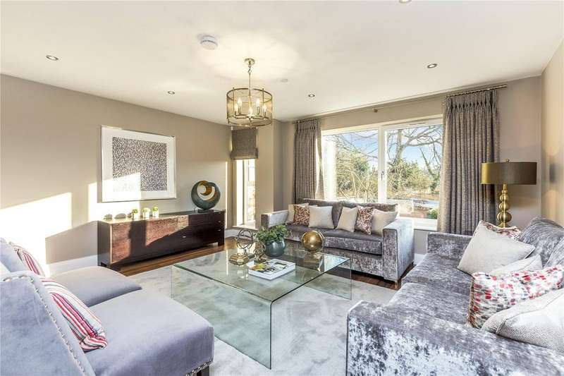 4 Bedrooms End Of Terrace House for sale in Oak Grove, Shaa Road, Acton, London, W3