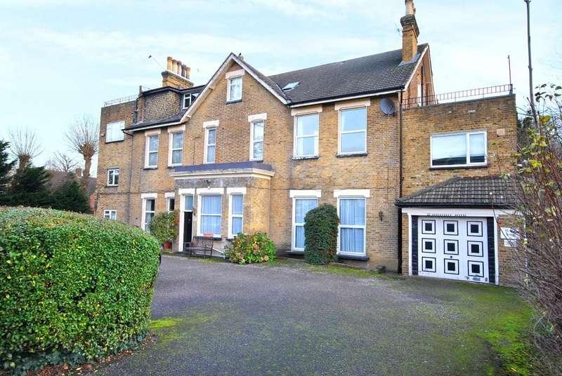1 Bedroom Flat for sale in Somertrees Avenue London SE12