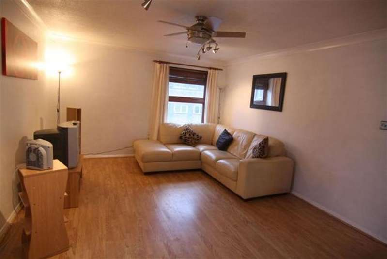 2 Bedrooms Flat for sale in Hoegate Street