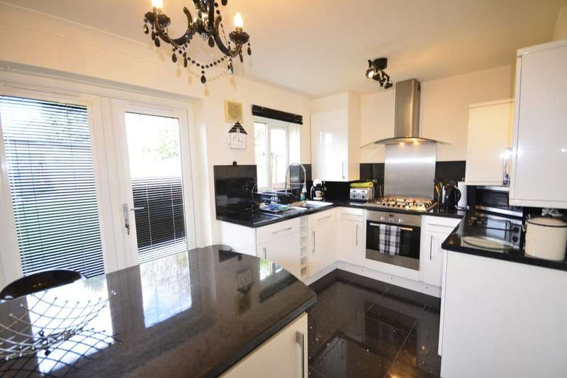 2 Bedrooms Semi Detached House for sale in Elterwater Road, Farnworth, Bolton, BL4