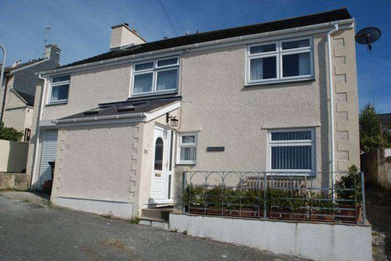 3 Bedrooms Detached House for sale in Porthyfelin, Holyhead