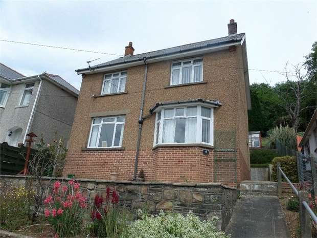 3 Bedrooms Detached House for sale in Leigh Road, Trevethin, PONTYPOOL