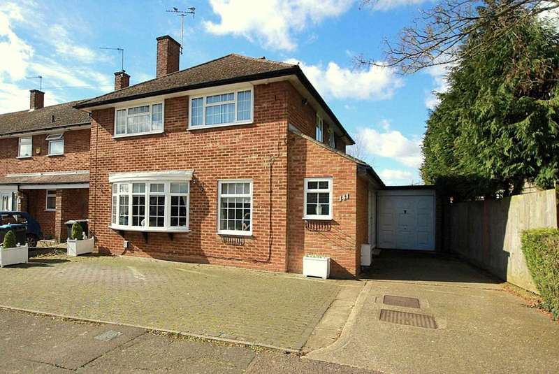 4 Bedrooms Semi Detached House for sale in 4 BED with GARAGE in Hobletts Road, Hemel Hempstead