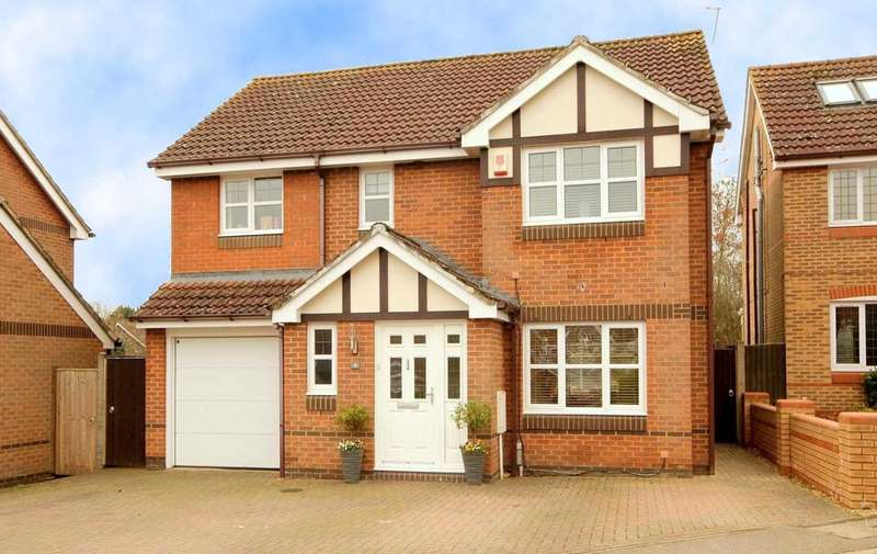 5 Bedrooms Detached House for sale in EXTENDED 5 BED IN Little Catherells, HP1