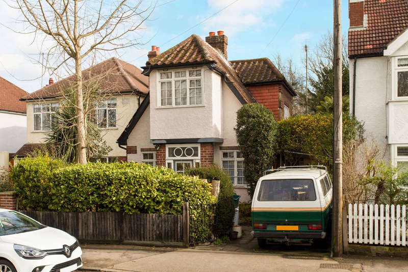 2 Bedrooms Detached House for sale in Park Road, Kingston Upon Thames, KT2