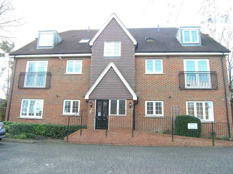 2 Bedrooms Flat for sale in Bournemead, Bushey