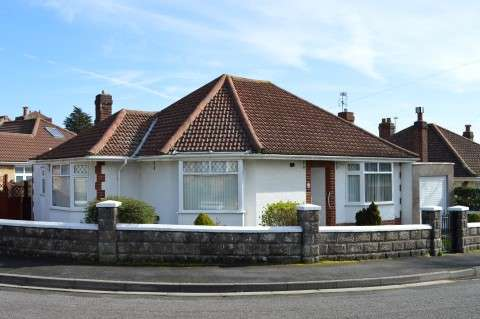 2 Bedrooms Property for sale in Woodcliff Avenue, Weston-Super-Mare