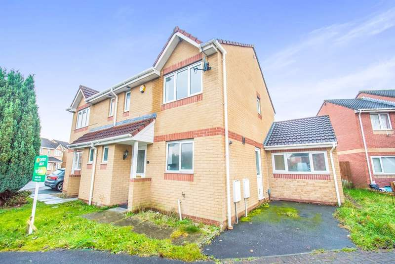 3 Bedrooms Semi Detached House for sale in Pearce Close, St. Mellons, Cardiff