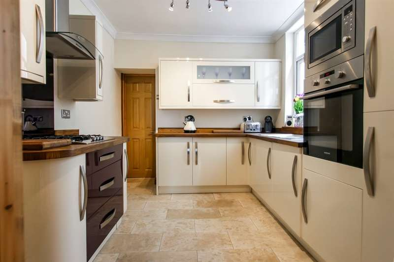 3 Bedrooms Terraced House for sale in Windmill Terrace, St. Thomas, Swansea