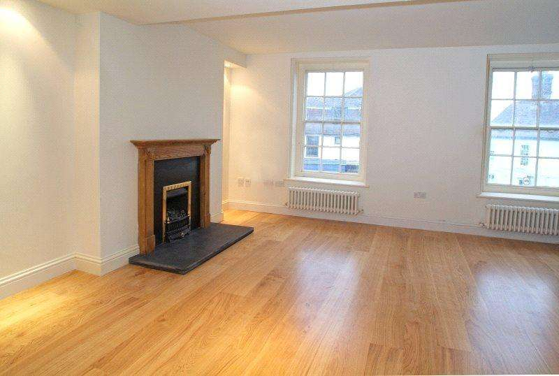 2 Bedrooms Unique Property for sale in Yew Tree Mews, Market Square, Westerham, Kent, TN16